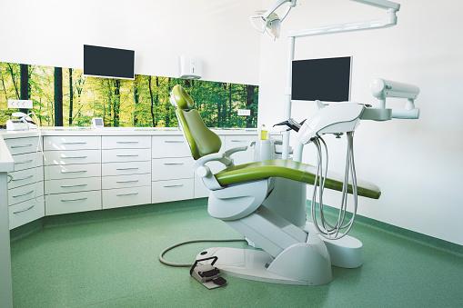 Computer「歯科医の椅子で明るいクリニック」:スマホ壁紙(15)