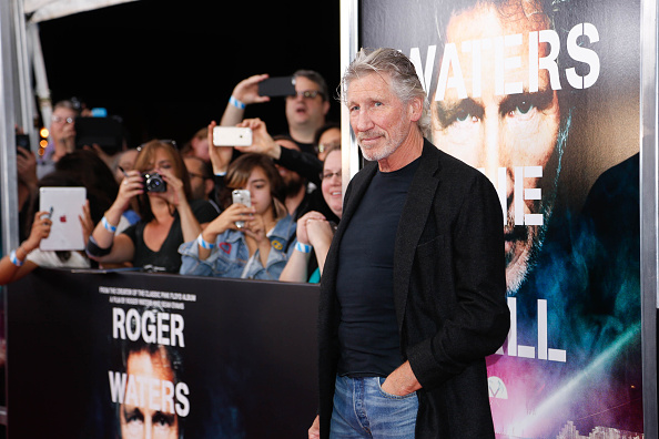 "Medium Group Of People「""Roger Waters The Wall"" New York Premiere」:写真・画像(3)[壁紙.com]"