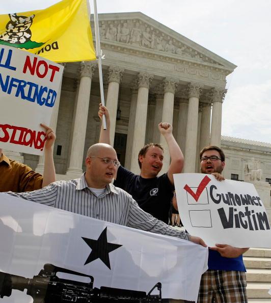 Decisions「Supreme Court Issues Rulling On DC Gun Ban」:写真・画像(4)[壁紙.com]