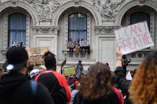 Window Sill「Black Lives Matter Movement Inspires Protest In London」:写真・画像(18)[壁紙.com]