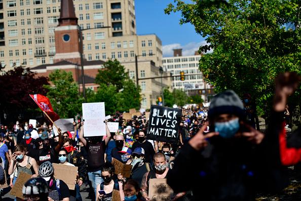 Center City - Philadelphia「Protests Continue In Philadelphia In Response To Death Of George Floyd In Minneapolis」:写真・画像(14)[壁紙.com]