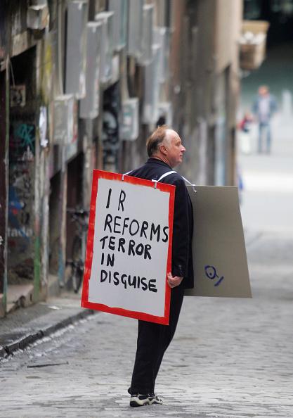 男性一人「Nationwide Protests Over IR Changes」:写真・画像(6)[壁紙.com]