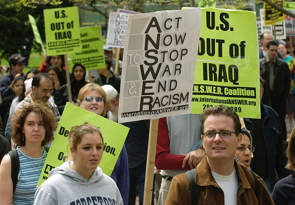 Focus On Foreground「A.N.S.W.E.R. Protests U.S. Involvement In Iraq」:写真・画像(14)[壁紙.com]