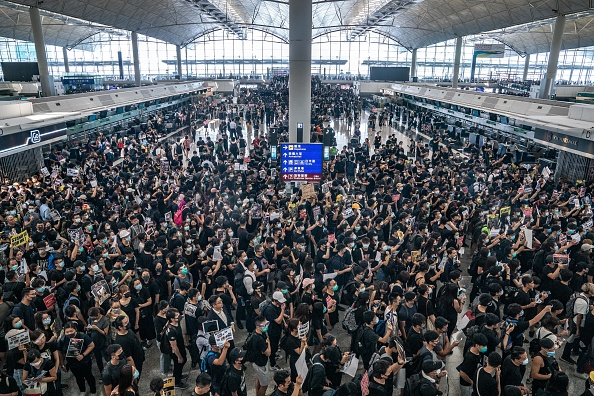 Hong Kong International Airport「Unrest In Hong Kong During Anti-Extradition Protests」:写真・画像(18)[壁紙.com]