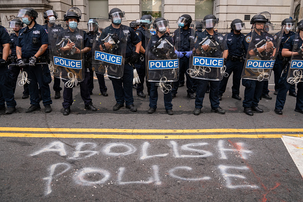 Police Force「City Hall Protesters React To New York City Budget Vote」:写真・画像(1)[壁紙.com]