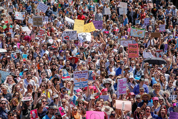 オーストラリア「Australians Take Part In Women's Marches To Protest Trump Inauguration TBC」:写真・画像(1)[壁紙.com]