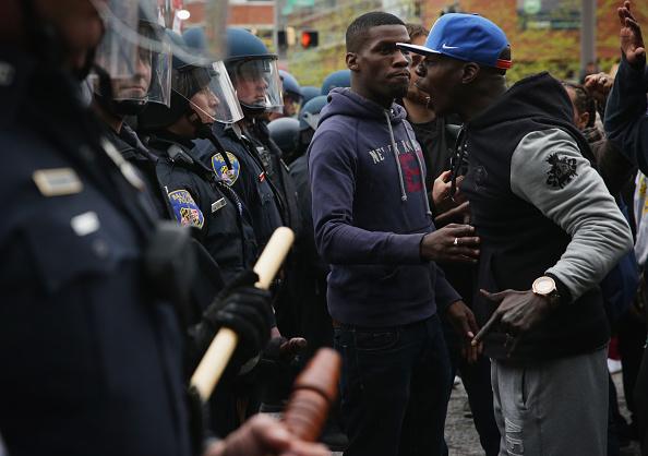 対決「Protests Continue After Death Of Baltimore Man While In Police Custody」:写真・画像(7)[壁紙.com]