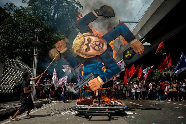 記章「U.S. President Trump Visits Philippines」:写真・画像(16)[壁紙.com]