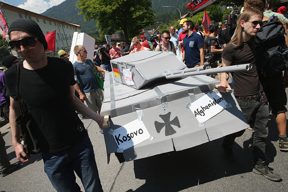 Garmisch-Partenkirchen「Demonstrators Protest Before G7 Summit In Garmisch-Partenkirchen」:写真・画像(8)[壁紙.com]