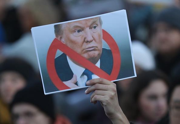 抗議者「Trump Critics Rally In Berlin」:写真・画像(12)[壁紙.com]