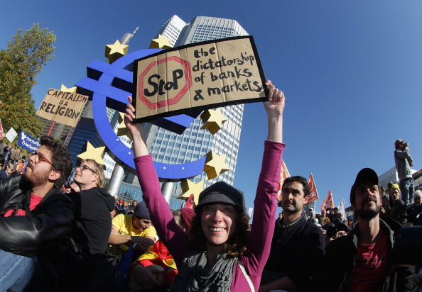 Bank Manager「Occupy Wall Street-Inspired Protests In Germany」:写真・画像(15)[壁紙.com]