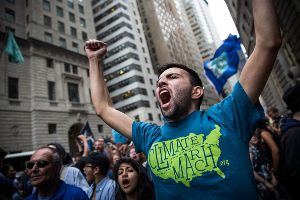 Climate Activist「Climate Change Activists Demonstrate On Wall Street」:写真・画像(9)[壁紙.com]