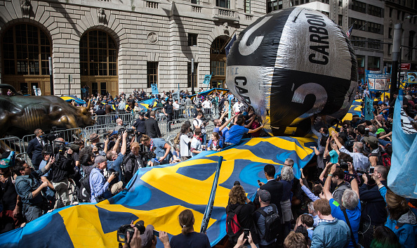 Climate Activist「Climate Change Activists Demonstrate On Wall Street」:写真・画像(4)[壁紙.com]