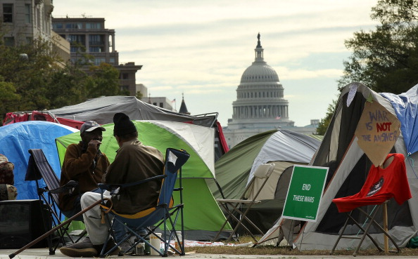 Tent「Protesters Continue To Camp In DC's Freedom Plaza」:写真・画像(14)[壁紙.com]