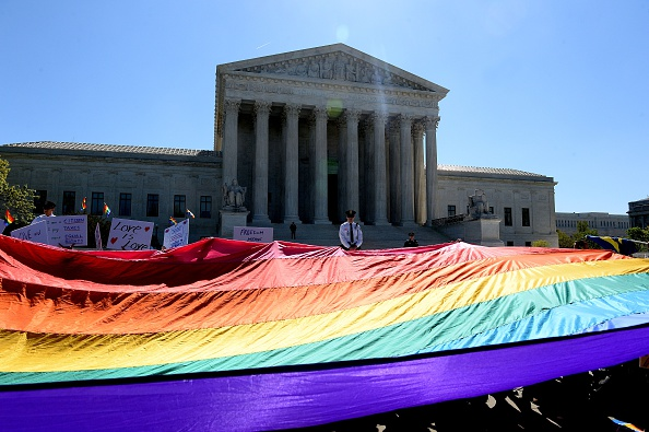 Legal System「Supreme Court Hears Arguments In Historic Marriage Equality Case」:写真・画像(8)[壁紙.com]