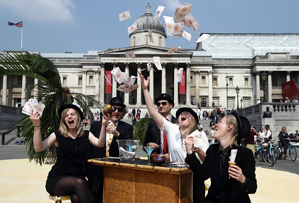 Finance and Economy「Charities Protest With Tax Haven Paradise In Trafalgar Square」:写真・画像(18)[壁紙.com]