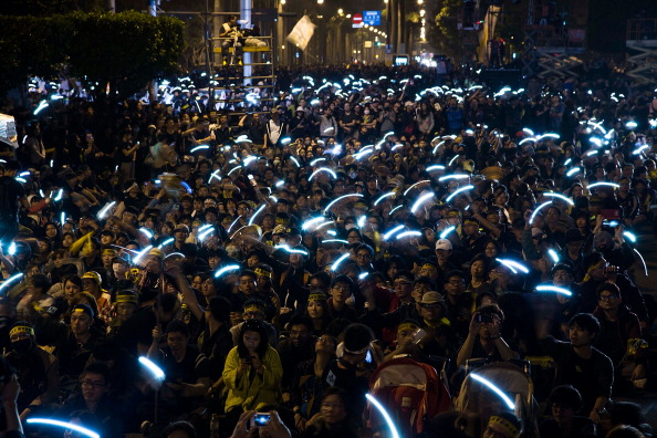Wireless Technology「Taiwanese Students Gather To Protest Against China Deal」:写真・画像(8)[壁紙.com]