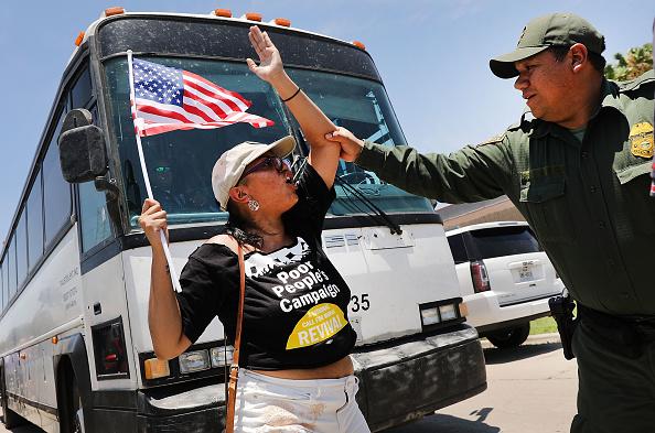 Strategy「Despite Trump Executive Order, Over 2300 Migrant Children Still Held In Camps」:写真・画像(7)[壁紙.com]