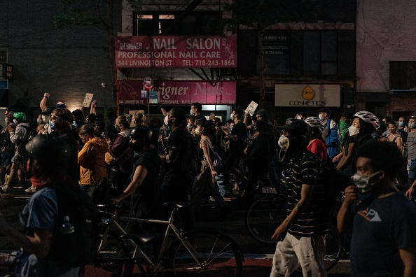 Prejudice「Protests Against Police Brutality Over Death Of George Floyd Continue In NYC」:写真・画像(19)[壁紙.com]