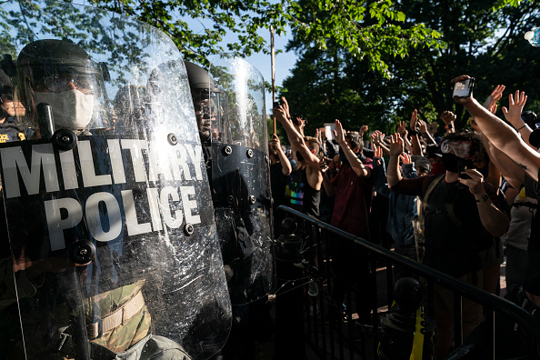 Military「Protesters Demonstrate In D.C. Against Death Of George Floyd By Police Officer In Minneapolis」:写真・画像(12)[壁紙.com]