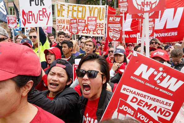 Darrian Traynor「Thousands March Through Melbourne CBD Calling For Better Wages」:写真・画像(7)[壁紙.com]