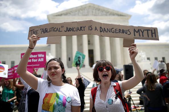 Exclusive「U.S. Supreme Court Upholds Trump Travel Ban In 5-4 Decision」:写真・画像(17)[壁紙.com]