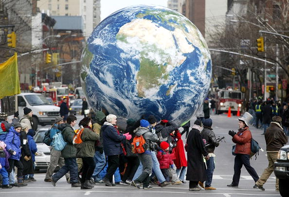 Globe - Navigational Equipment「U.S. Protesters Gather For Peace In New York」:写真・画像(0)[壁紙.com]
