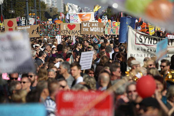 Berlin「Large-Scale Protest March For An Open Society」:写真・画像(4)[壁紙.com]