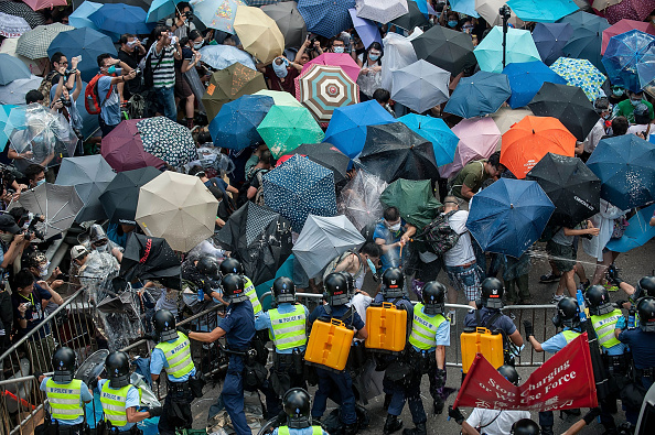 Occupy Central「Pro Democracy Supporters Attempt To Bring Hong Kong To A Stand Still With Mass Rally」:写真・画像(14)[壁紙.com]