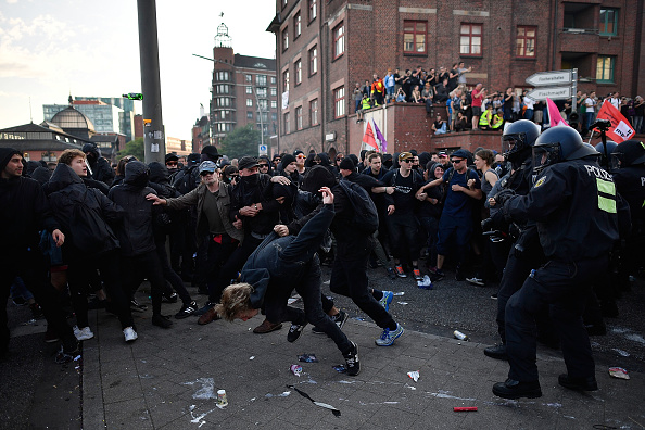 Hamburg - Germany「Protesters March During The G20 Summit」:写真・画像(11)[壁紙.com]