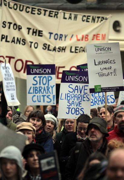 Gloucester - England「The Gloucestershire Anti Cuts Alliance Hold A demonstration Over The Spending Review」:写真・画像(15)[壁紙.com]