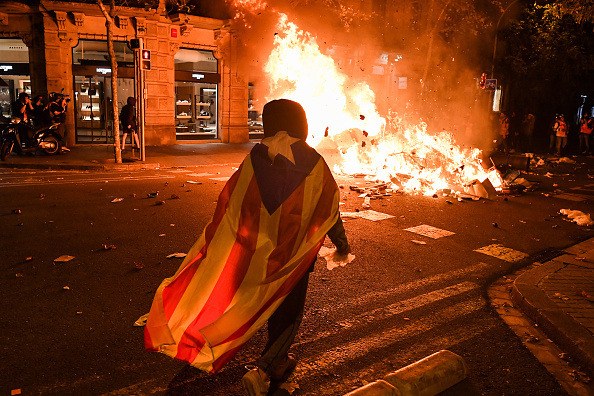 スペイン バルセロナ「Barcelona Sees Another Night Of Protest Against Jailing Of Catalan Separatists」:写真・画像(4)[壁紙.com]