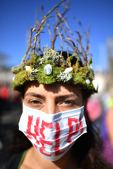 Global「Activists In Edinburgh Join The Global Climate Strike」:写真・画像(11)[壁紙.com]