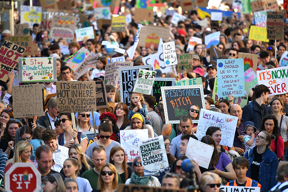 Global「Activists In Edinburgh Join The Global Climate Strike」:写真・画像(9)[壁紙.com]