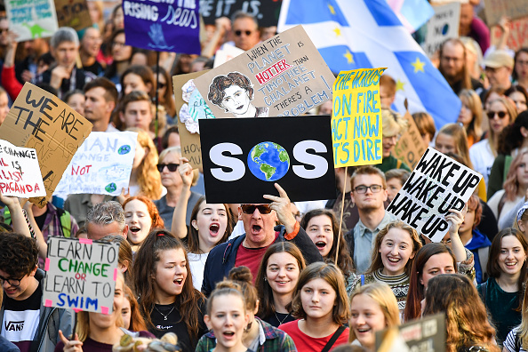 Global「Activists In Edinburgh Join The Global Climate Strike」:写真・画像(10)[壁紙.com]