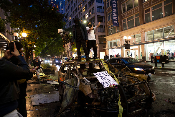 平穏「Protestors In Seattle Rally Against Police Brutality In Death Of George Floyd」:写真・画像(18)[壁紙.com]