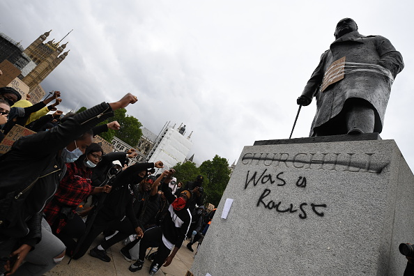 Statue「Black Lives Matter Demonstrations In UK Continue Into The Weekend」:写真・画像(12)[壁紙.com]
