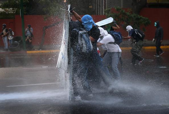 Crisis「Venezuela Tense As Unrest Over President Maduro's Government Continues」:写真・画像(6)[壁紙.com]