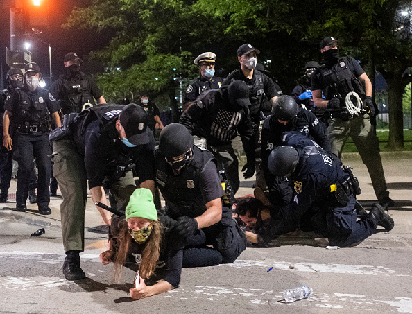 Detroit - Michigan「Protests Continue Around Detroit After Police Officer Allegedly Punched Woman」:写真・画像(6)[壁紙.com]