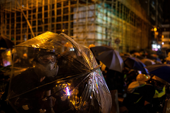 Protestor「Violence Continues During Anti-Extradition Protests In Hong Kong」:写真・画像(15)[壁紙.com]