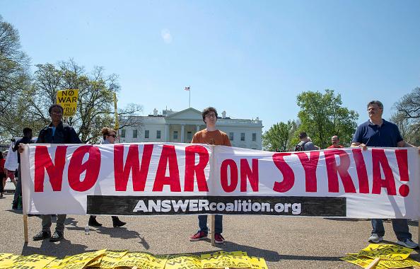Washington DC「Anti-War Protest Held Outside Of The White House」:写真・画像(7)[壁紙.com]