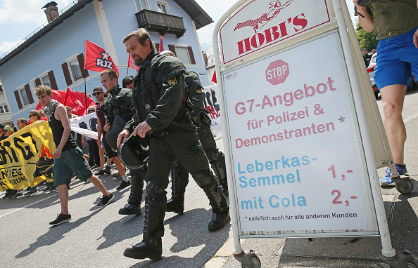 Garmisch-Partenkirchen「Demonstrators Protest Before G7 Summit In Garmisch-Partenkirchen」:写真・画像(10)[壁紙.com]