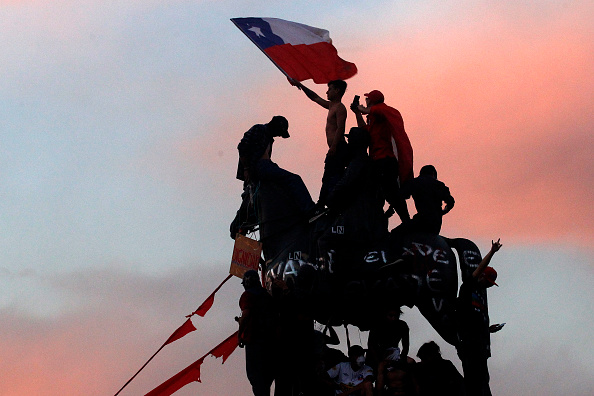 Santiago - Chile「National Strike And Protests Against President Piñera」:写真・画像(8)[壁紙.com]