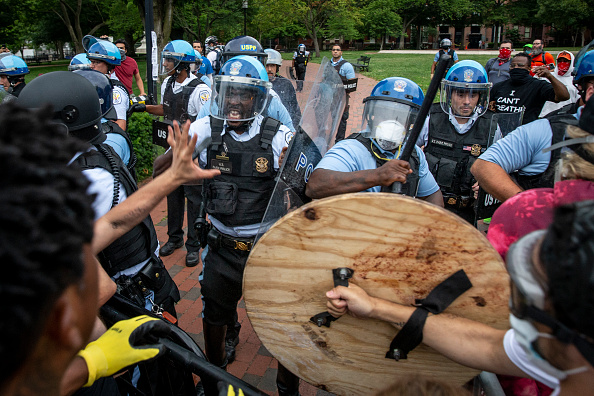 Confrontation「Protests Continue Around Black Lives Matter Plaza In Washington, DC」:写真・画像(12)[壁紙.com]