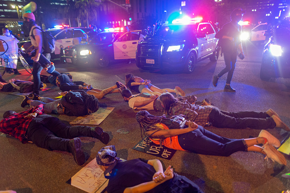 Confrontation「Anti-Racism Protests Held In U.S. Cities Nationwide」:写真・画像(14)[壁紙.com]