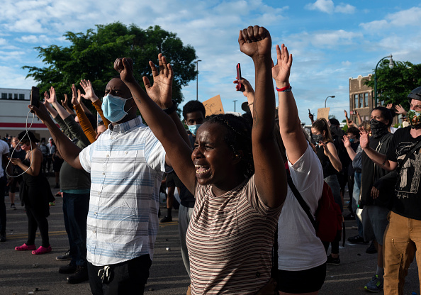 Protest「'I Can't Breathe' Protest Held After Man Dies In Police Custody In Minneapolis」:写真・画像(13)[壁紙.com]
