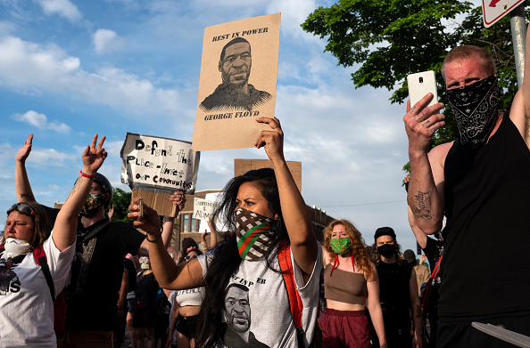 Protest「'I Can't Breathe' Protest Held After Man Dies In Police Custody In Minneapolis」:写真・画像(7)[壁紙.com]