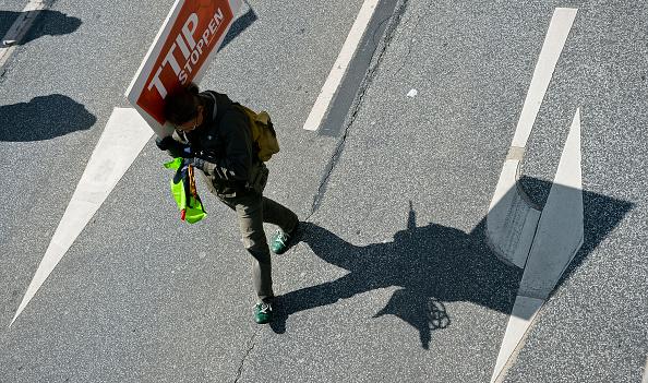 Free Trade Agreement「Anti-TTIP Protests On Eve Of Obama Visit」:写真・画像(4)[壁紙.com]