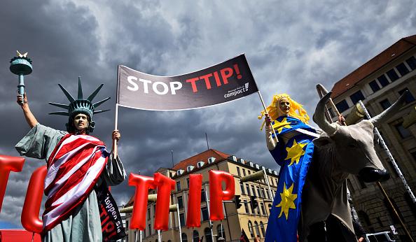 Finance and Economy「Anti-TTIP Protests On Eve Of Obama Visit」:写真・画像(19)[壁紙.com]