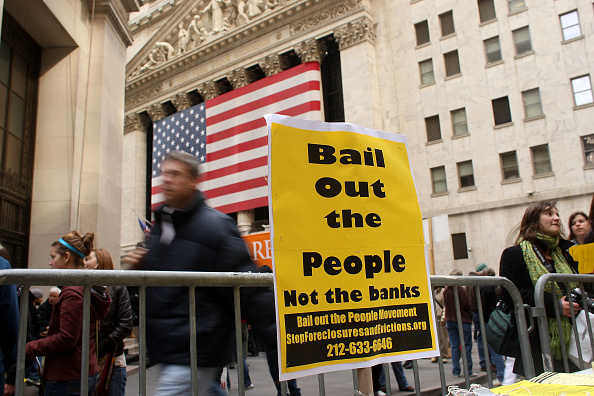 Finance「Wall Street Rally Protests Federal Aid To Financial Institutions」:写真・画像(8)[壁紙.com]